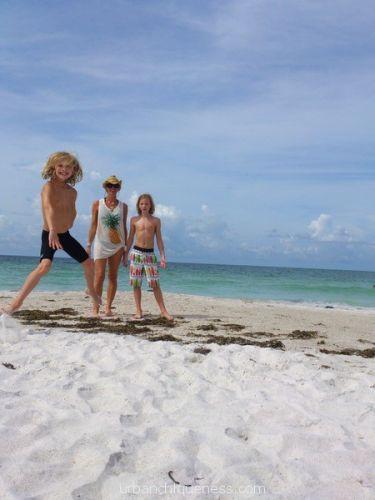 Self timer, paradise, beach