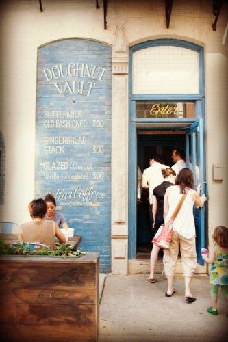 """Chique"" Doughnut Shop"